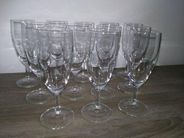 12 kieliszków do szampana