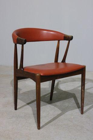 Cadeira Johannes Andersen modelo BA113 em pau santo
