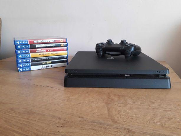 Konsola PS4 Slim 1 TB + DualShock 4 + zestaw super gier. Okazyjna cena