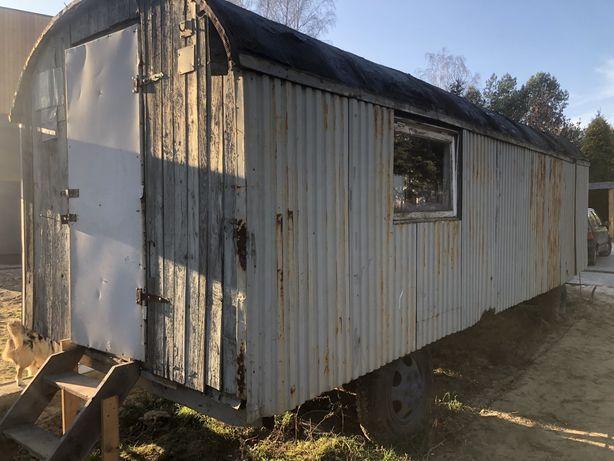 Barakowóz barak domek narzędziowy