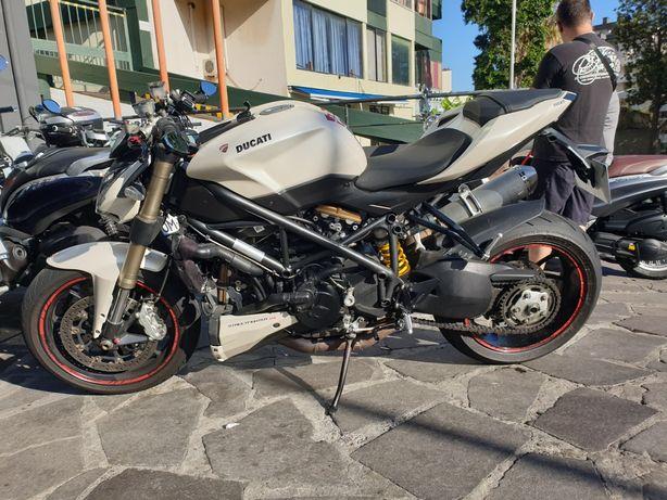 Ducati Streetfighter 848 - 132cv