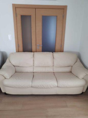Sofa 3 lugares em Pele 250€ e 1 chaise long em tecido 250€