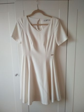 Sukienka ślubna lub na poprawiny