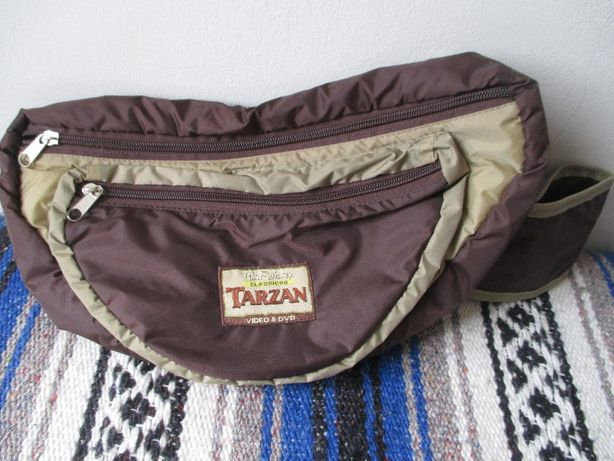 Bolsa p/ cintura a estrear TARZAN , bastante espaçosa, c/ 2 divisórias