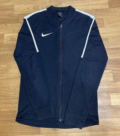 Nike dri-fit , размер s