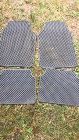 Комплект автомобильных универсальных ковриков Eva серого цвета