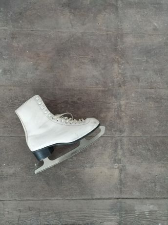 Łyżwy damskie retro vintage łyżwiarstwo białe