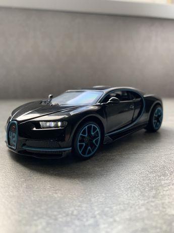 Машинка Bugatti Chiron 1:32