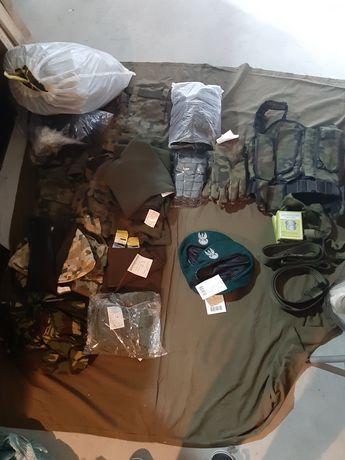 Sorty mundurowe mundury wojskowe ubrania