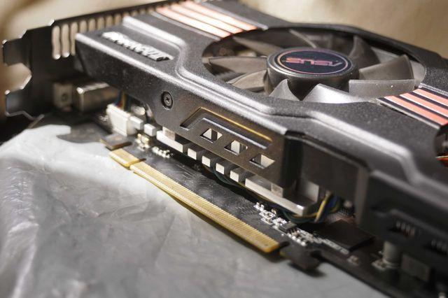Видеокарта Asus  GTX 560 Ti  (256bit)