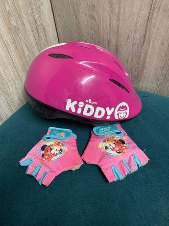 Kask rowerowy i rekawiczki dla dziewczynki
