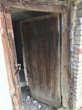 Stare zabytkowe drzwi