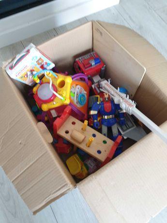 Zabawki w kartonie - rezerwacja do piątku.