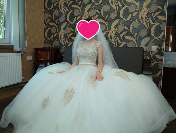 Продам свадебное платье