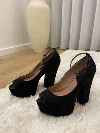 Sapatos Pretos Zara