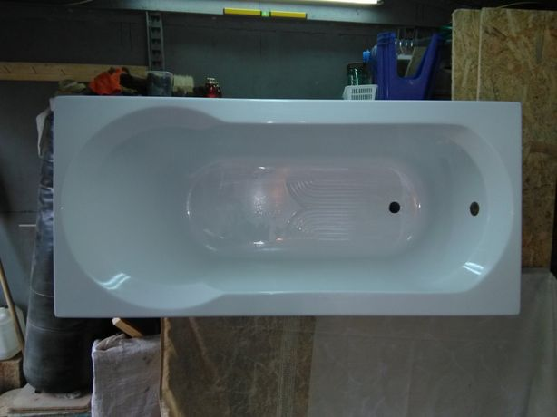 Продаю акриловую ванну
