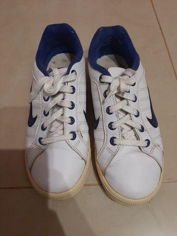 Безкоштовно кросівки кросовки кеди
