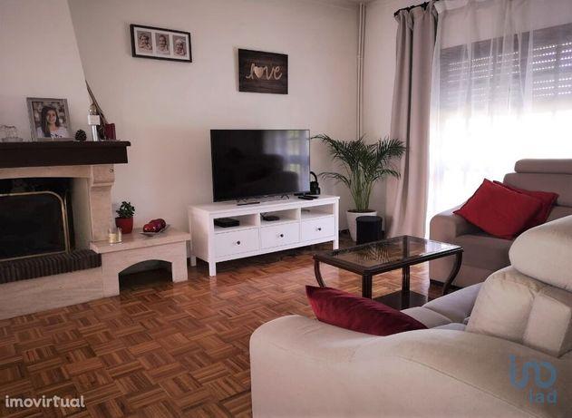 Moradia - 300 m² - T4