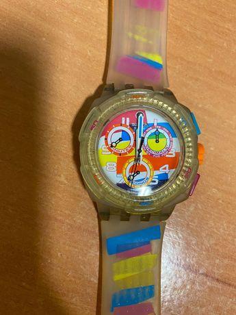 Relógio Swatch colorido