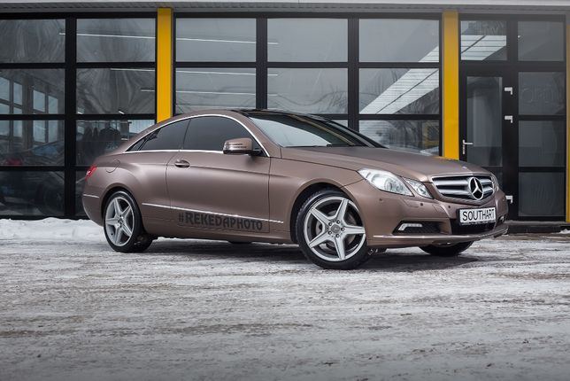 Mercedes Benz E200 W212 C207 2010, 1.8 литра, 120 тыс пробег