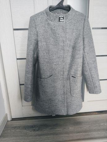 Жіноче демисезонне пальто