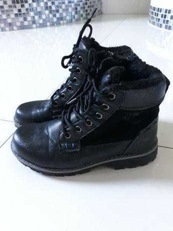 Buty zimowe chłopięce w rozmiarze 31.