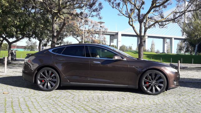TESLA MODEL S P85+ com Garantia Tesla e Supercharge Gratuito