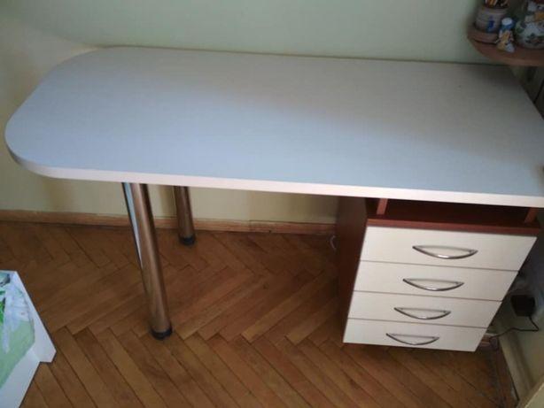 стіл письмовий та навісні шафки