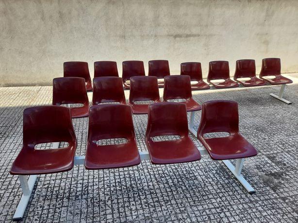 Conjunto cadeiras de espera