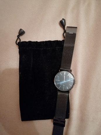 Relógio preto millner