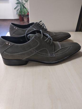Туфли 41 размер, цвет серый