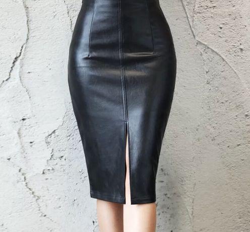 Черная юбка карандаш под кожу кожзам
