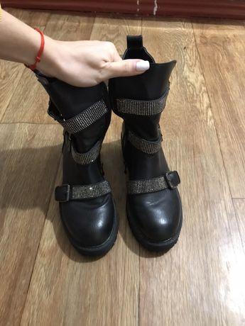 Продам кожанные ботинки