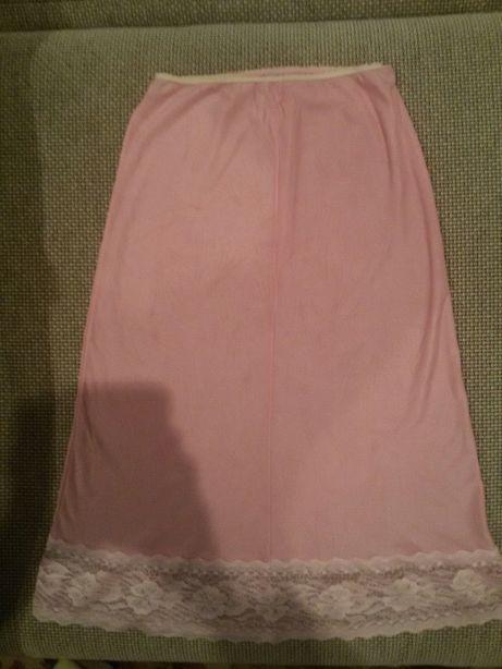 Нижняя юбка подьюбник розового цвета.