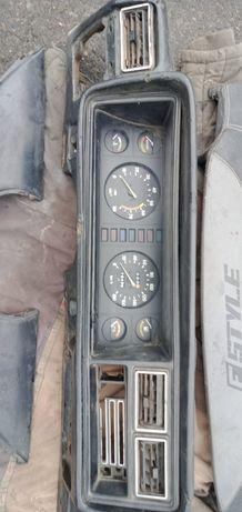 Ваз 2101 -2107 двері стартер радіатор торпеда резина тяги
