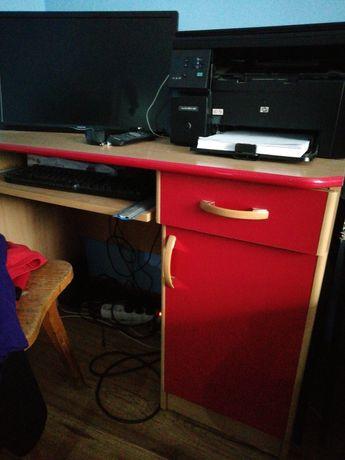 Biurko czerwone :)