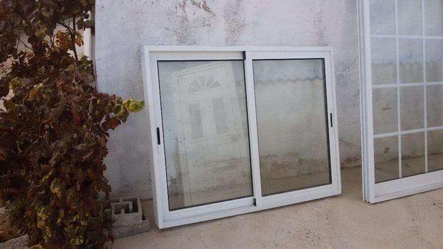 Portas e janelas em PVC e Alumínio 2ª mão