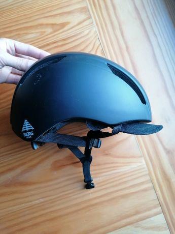 capacete berg (Preto) ajustável