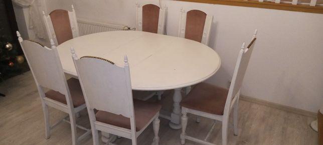 Sprzedam duży stół z krzesłami.Antyk