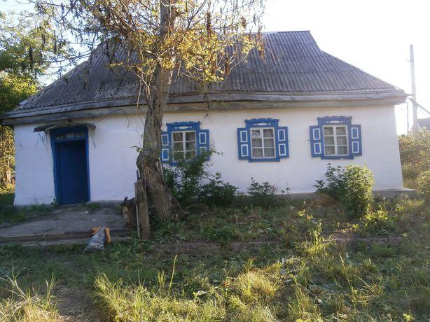 Будинок  на приватизованому участку смт Катеринопіль Черкаської обл