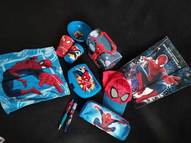 Spiderman, czapeczka,śniadaniówka,walizka,piórnik,długopis, ręczniczek