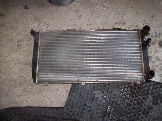 Audi 80 B3 B4 1.8 2,0 Chłodnica Wody