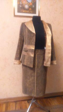 Продам костюм женский на подкладке/жакет юбка/ однобортный