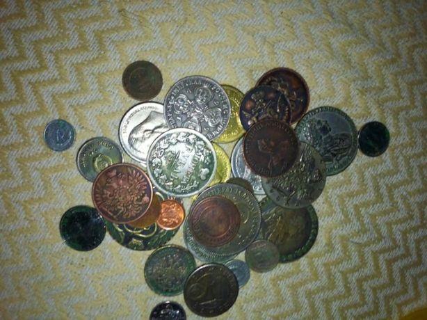 Старые монеты...разных годов,в разном состояни.