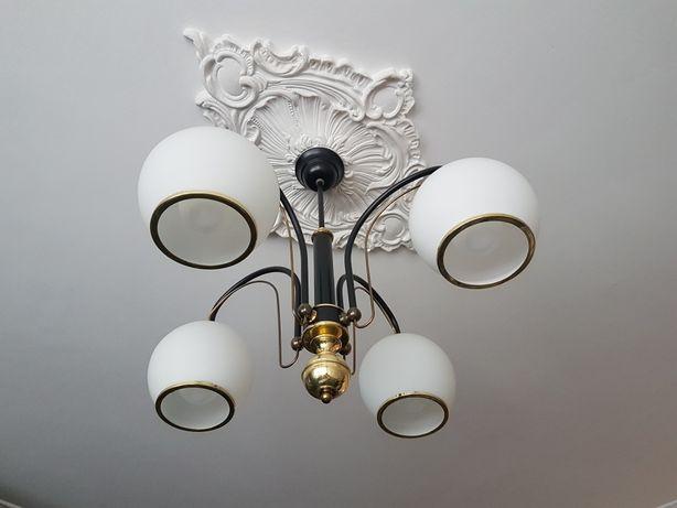 Żyrandol i lampa