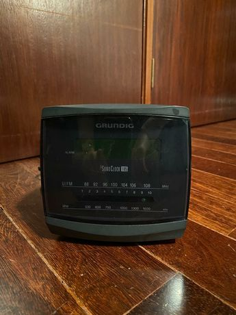 Rádio Despertador Grundig