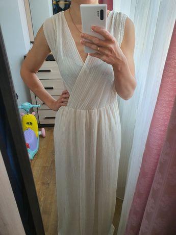 Платье длинное молочного цвета