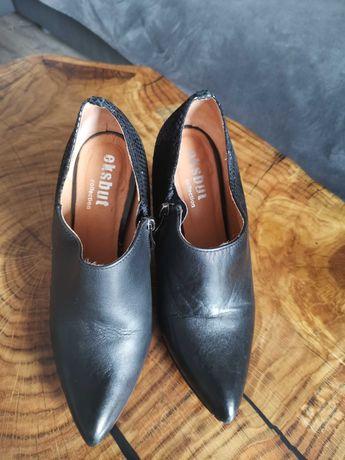 Buty na obcasie czarne Eksbut 36