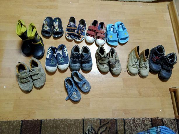Обувь на мальчика резиновые сапоги сандали ботинки кроссовки