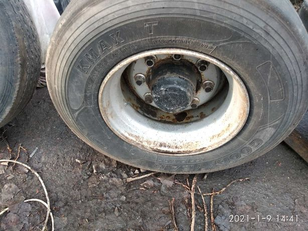 Продам грузовые шины б/у 435/50 R 19.5